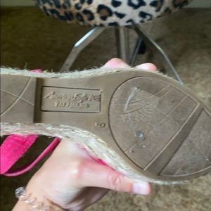American Eagle Outfitters Shoes - American eagle pink wedges